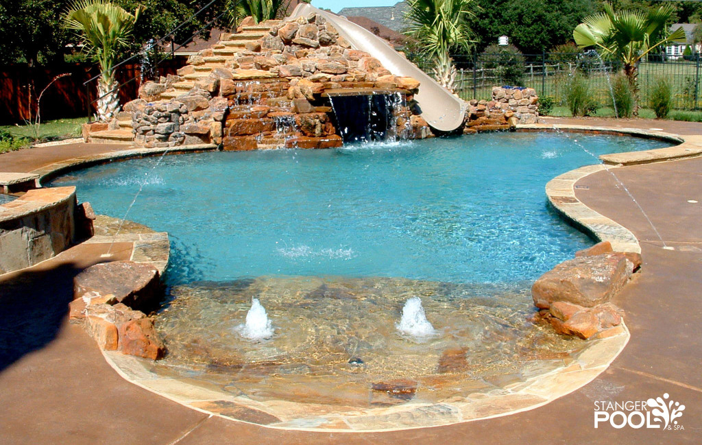 Pool features stanger pool spa for Water pool design